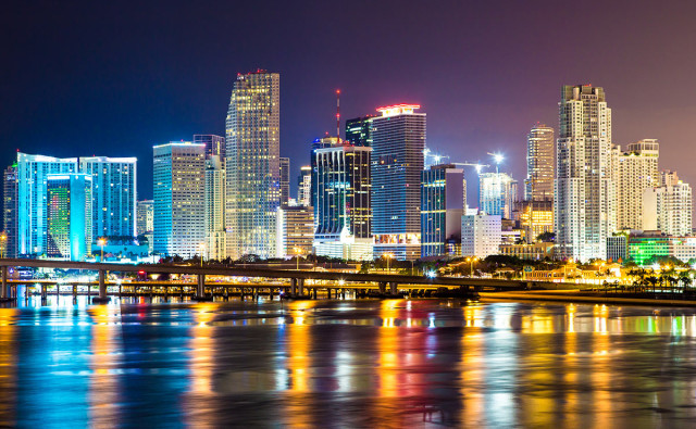 downtown-miami-night